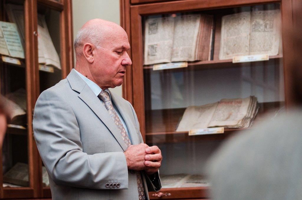 Музей Острозької академії поповнився ще двома скульптурами Петра Капшученка
