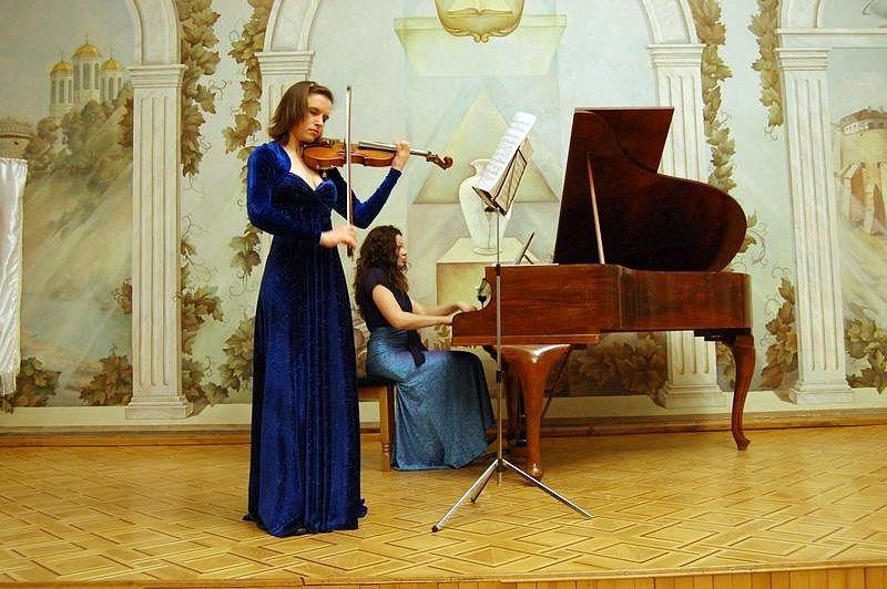Лідія Футорська та Маріанна Гумецька