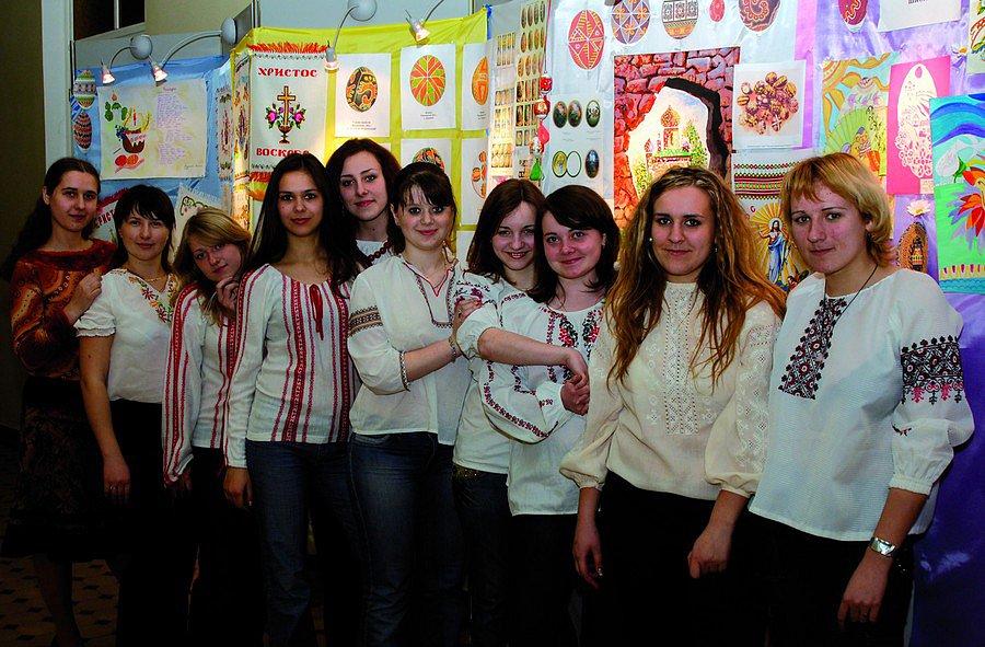 Студенти шанують українські традиції
